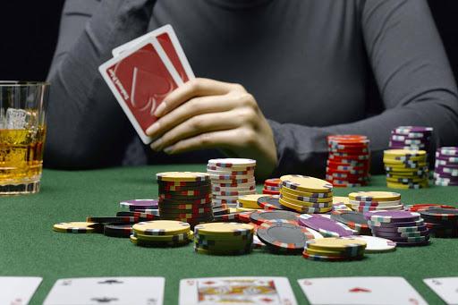 Permainan Cepat Dan Permainan Lambat Dalam Poker Online